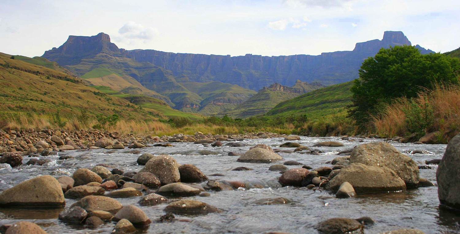 Greatest Mountains of the World - Amphitheatre_Drakensberg