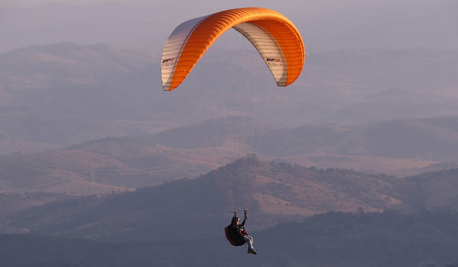 Stay and Paragliding in Bir Billing